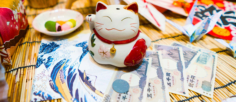 Gatos maneki-neko